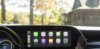 Apple CarPlay Offers Safer Infotainment